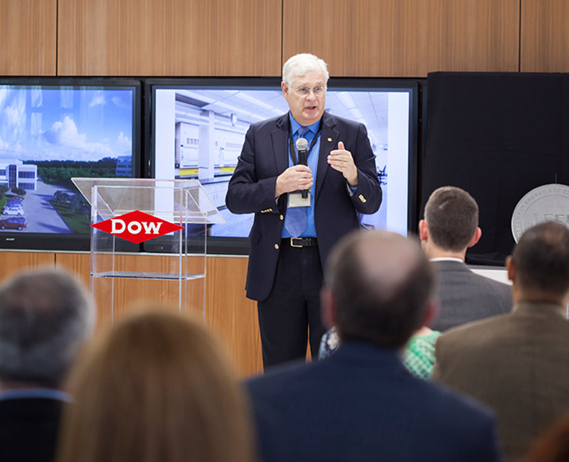 PR-Photo_Dow-speaking.jpg